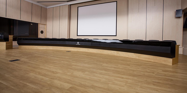 liuni-pavimenti-auditorium