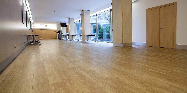liuni-pavimenti-corridoi-sale-auditorium