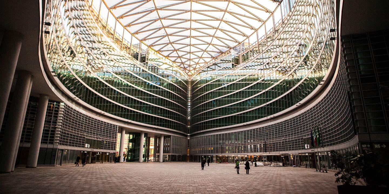 liuni-pavimenti-interni-edificio-regione