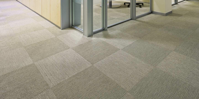 liuni-pavimenti-quadrotte-autoposanti-uffici