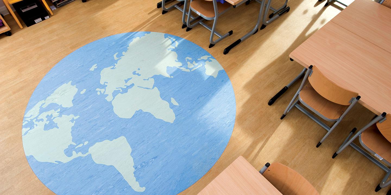 liuni_pavimenti_effetto_legno_personalizzati_scuola