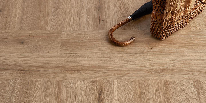 liuni_pavimenti_stampati_lvt_legno_incollo_camaro_wood_2232_natural-oak-2232