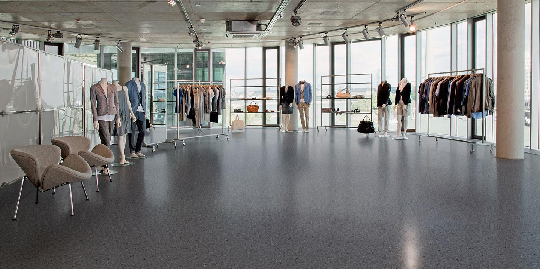 liuni_pavimenti_vinilici_omogenei_non-direzionali_classic_mystique_pur_showroom