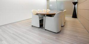 pavimentazioni-viniliche-effetto-legno-uffici