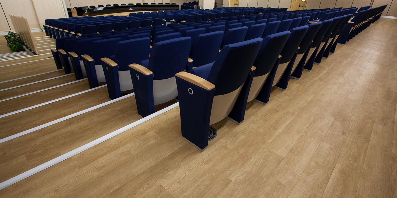 pavimenti-vinilici-auditorium