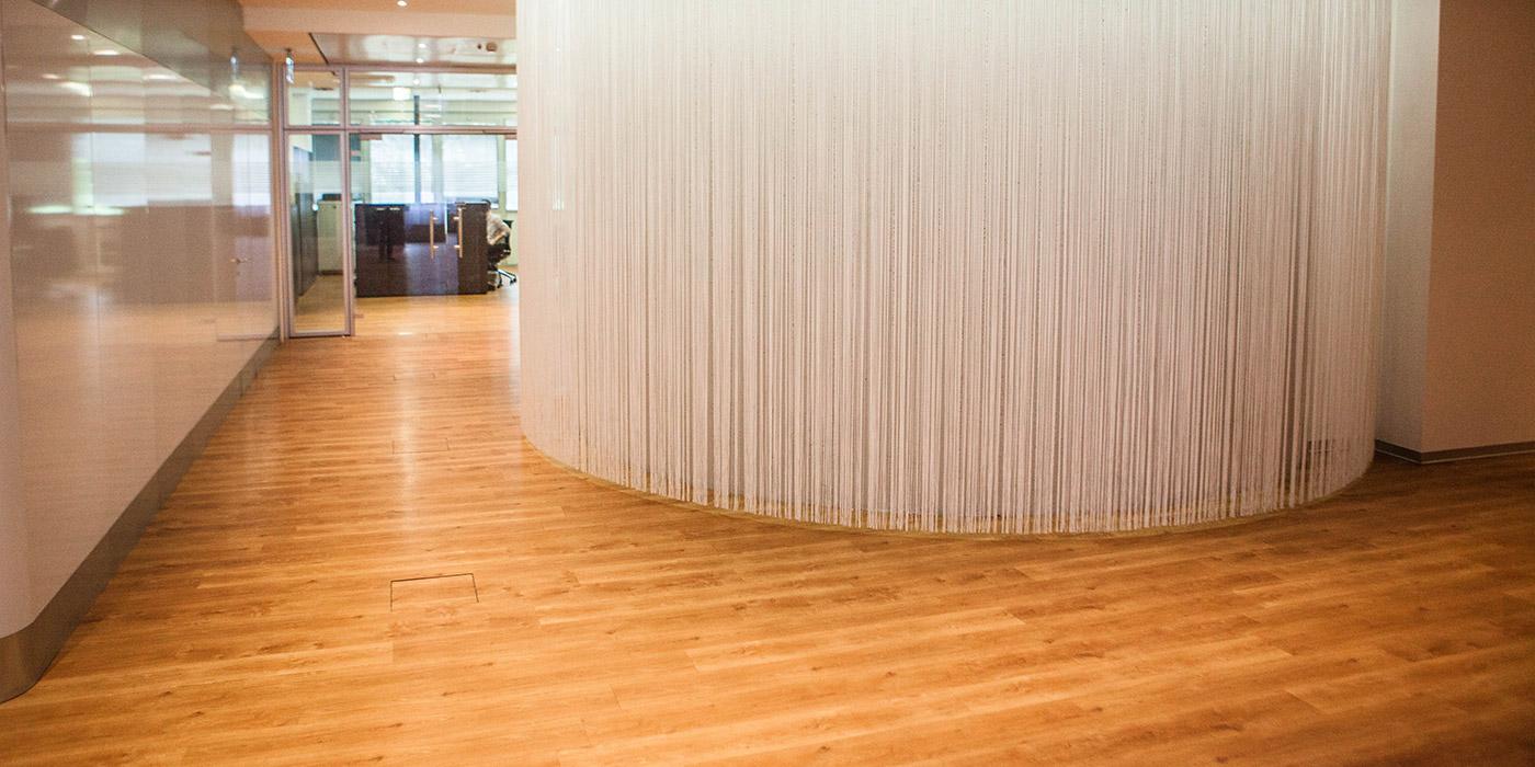 pavimenti-vinilici-autoposanti-legno-uffci
