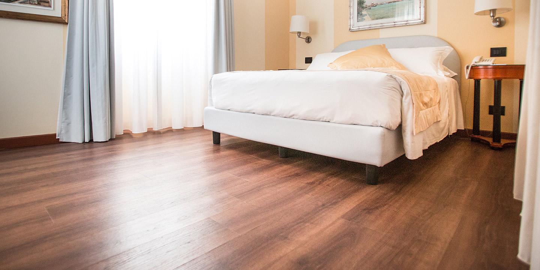 liuni-pavimenti-hotel