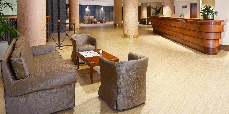 liuni-pavimenti-reception-hotel