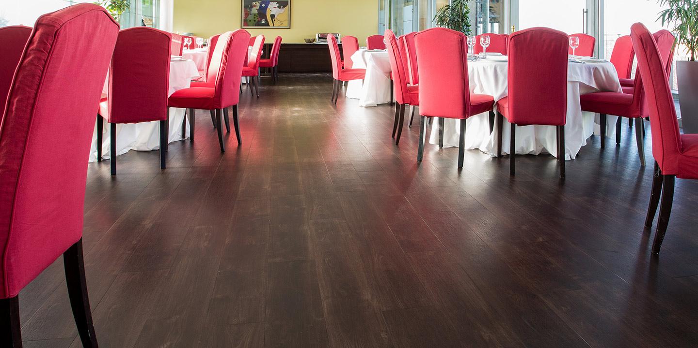 liuni-pavimenti-ristoranti-effetto-legno