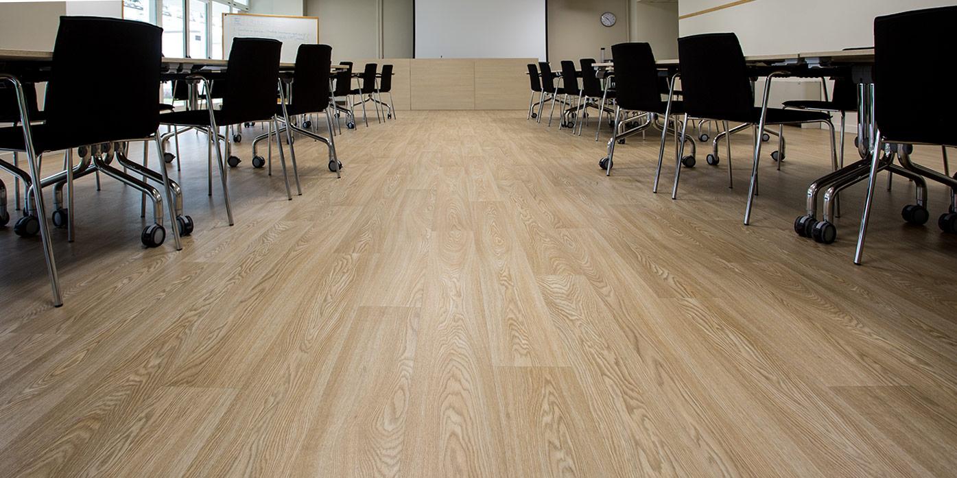 liuni-pavimenti-vinilici-eterogenei-expona-flow-wood-blond-oak-7