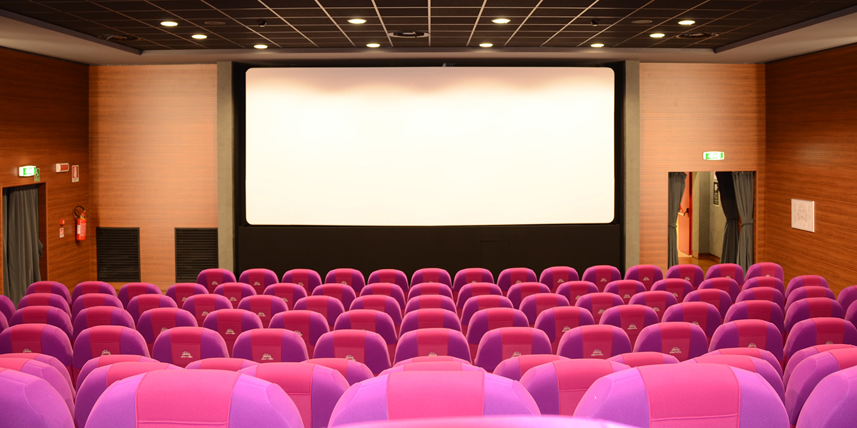 rivestimenti-pareti-cinema