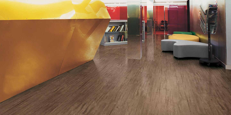 liuni_pavimenti_magnetici_effetto_legno_uffici