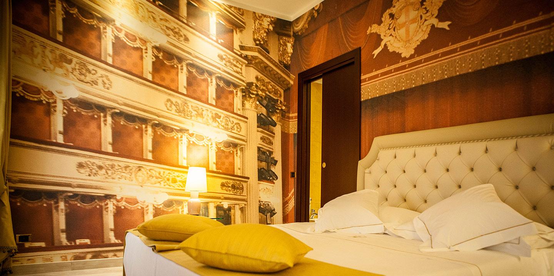 liuni-rivestimenti-murali-personalizzati-hotel-camera-luxury