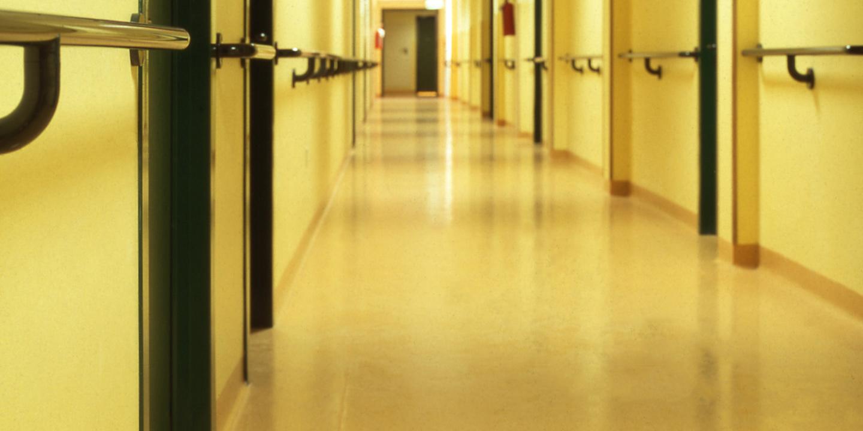 pavimenti-corridoi-ospedale