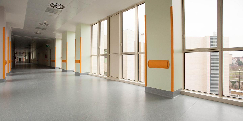 liuni-pavimenti-corridoi-ospedali