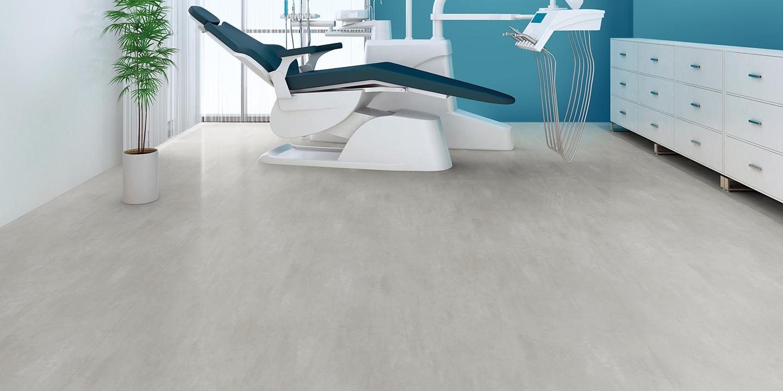 liuni_pavimenti_vinilici_eterogenei_calandrati_silentflor_concrete_studio_dentistico_light-grey-concrete-9965