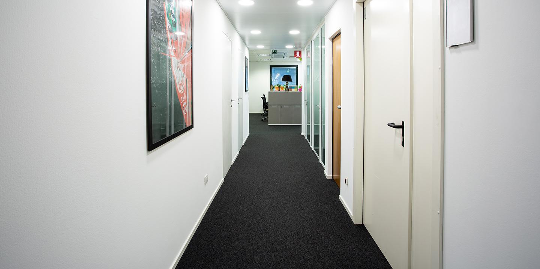 liuni-moquette-corridoio-uffici-module-first