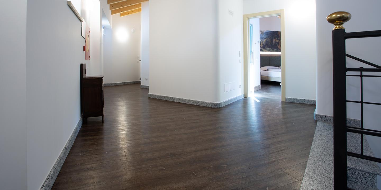 liuni-pavimento-lvt-eco55-corridoio