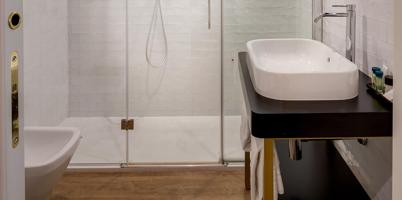 liuni-bagno-pavimento-eco-55-40-hotel
