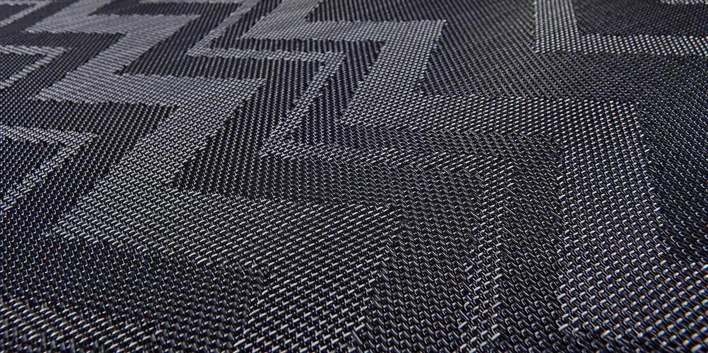 liuni_bolon_flooring_missonihome_zigzagblackclose